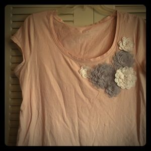 ✴️ Loft L Blush Pink Baby Tee w gray cream floral